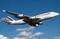 Стоимость авиабилетов и расписание авиарейсов из Москвы в Париж