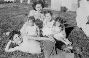 Семья Джо Дассена
