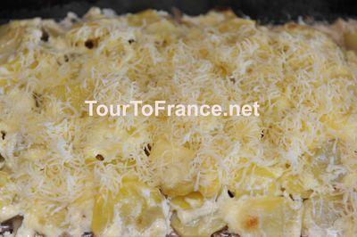 Засыпаем блюдо потертым сыром - фото 11